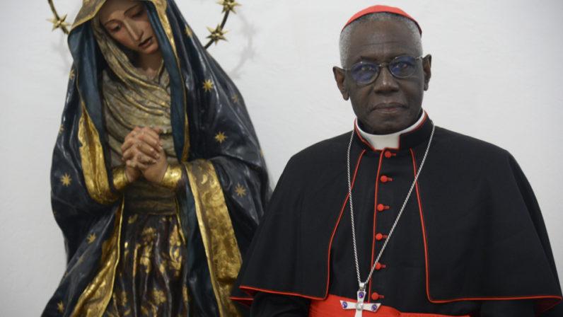 """Entrevista al Cardenal Sarah: """"El Evangelio es radical"""""""