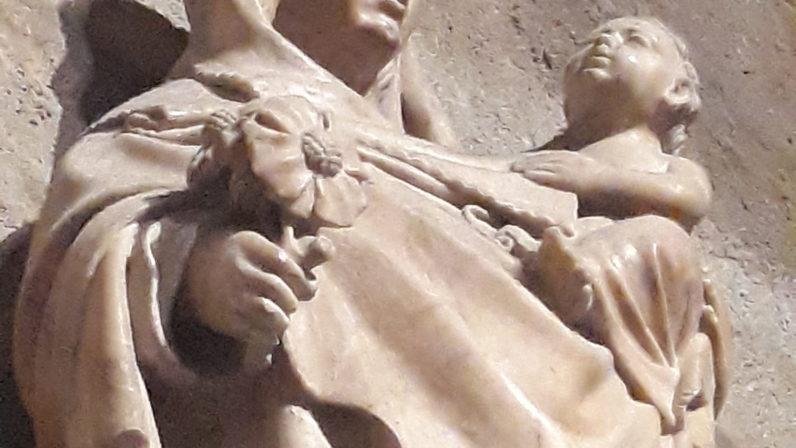 Dos imágenes marianas relacionadas con la Giralda