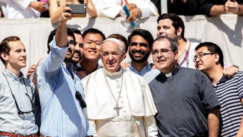Los futuros diáconos con el Papa
