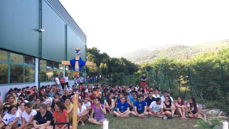 Los peregrinos de Pastoral Juvenil recorren la segunda etapa del Camino de Santiago