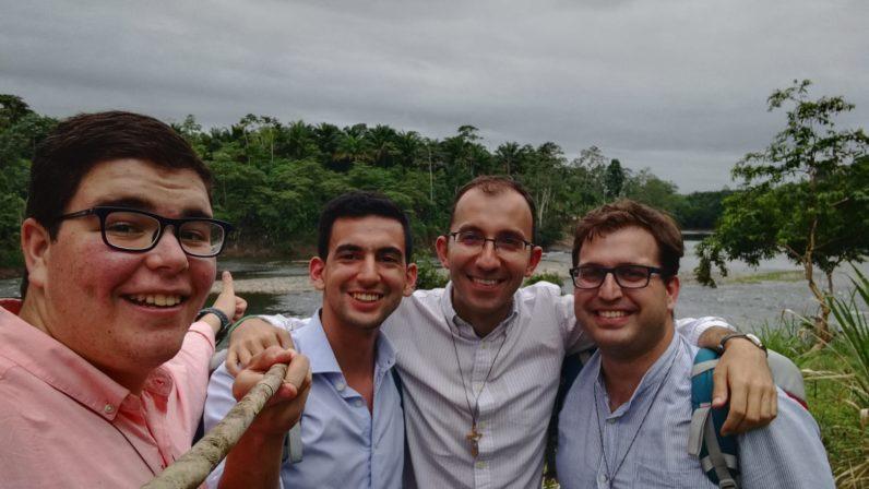 Seminaristas sevillanos realizan la misión en recinto ecuatoriano de Quinindé