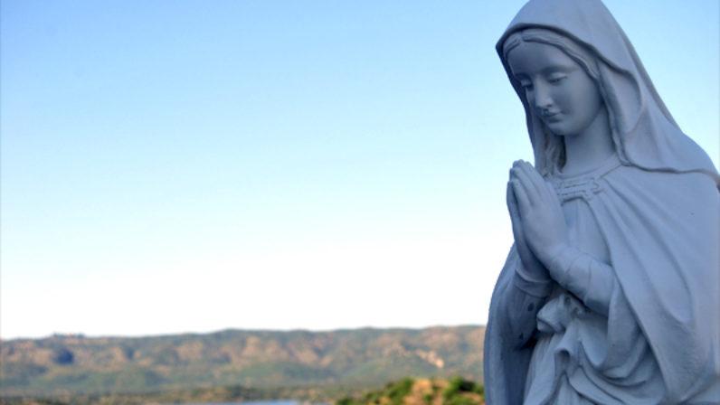 'Comenzamos el curso pastoral con la compañía de María', carta pastoral del Arzobispo de Sevilla