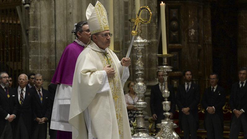 """Monseñor Gómez por la solemnidad de la Asunción: """"La Virgen María nos da fuerzas para vivir con dignidad"""""""