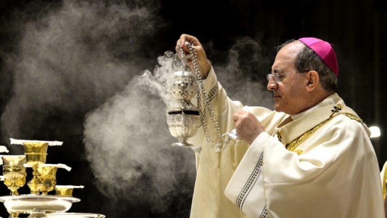 La luz del Espíritu Santo llenó la Catedral de Sevilla