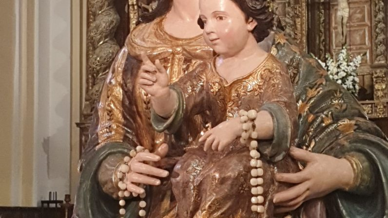 Virgen del Rosario.Parroquia de San Jacinto (Sevilla)