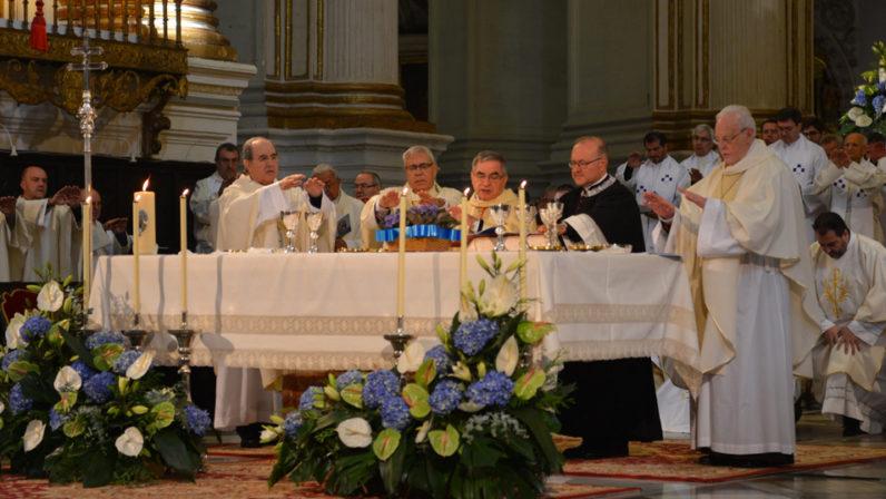 Monseñor Asenjo y monseñor Gómez participan en la beatificación de Madre Riquelme