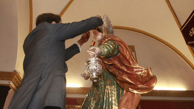 La patrona de los Morales recibe la Medalla de oro de la Villa