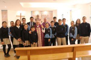 El Obispo auxiliar bendice la nueva capilla del colegio Ntra. Sra. de las Mercedes