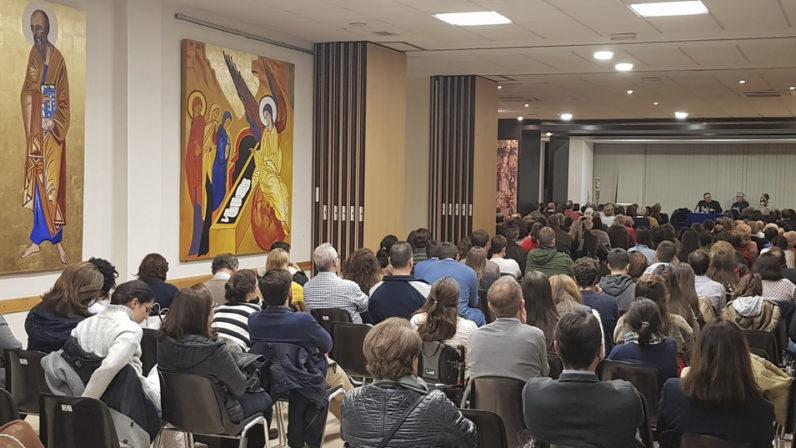 Monseñor Mazuelos, ponente del Atrio Joven de Los Remedios