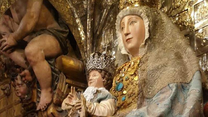 La Catedral reanuda las sabatinas a la Virgen de los Reyes