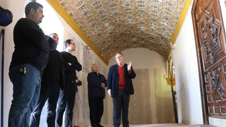 La Archidiócesis financia la restauración del camarín de Consolación en Utrera