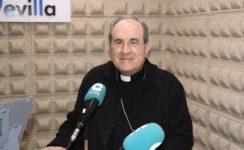 El Arzobispo de Sevilla se acerca a sus fieles a través de la radio