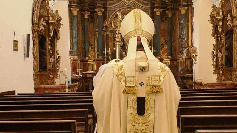 No presionen más al Arzobispo