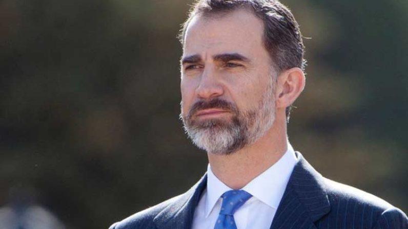 El Rey Felipe V se interesa por la situación de las hermandades de Sevilla