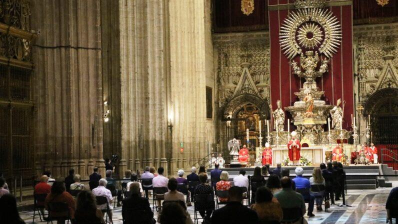 """Mons. Asenjo: """"Sin cristianos convertidos no es posible la evangelización"""""""