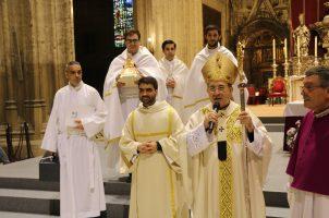 Homenaje a sacerdotes de Sevilla por sus bodas de oro y plata