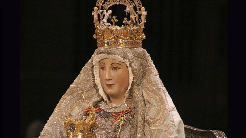 La Virgen de los Reyes, más cerca que nunca de los sevillanos