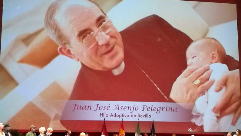 Juan José Asenjo Pelegrina, Hijo Adoptivo de Sevilla