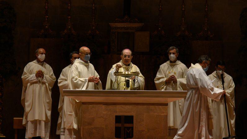 El Arzobispo de Sevilla consagró el nuevo templo de la Parroquia San Juan Pablo II de Montequinto