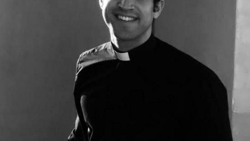 Gracias, sacerdotes