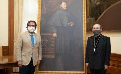 La Fundación Cajasol entrega al Arzobispado de Sevilla una réplica del cuadro de Murillo 'Fray Pedro de Urbina'