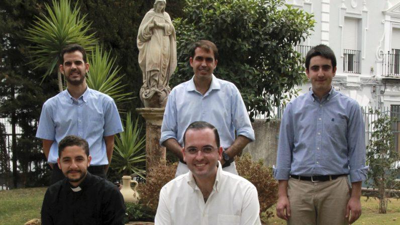 El domingo se ordenan cinco nuevos diáconos: Llamados a poner esperanza en una sociedad desorientada