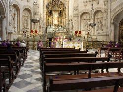 Misa por los sacerdotes difuntos en la Catedral