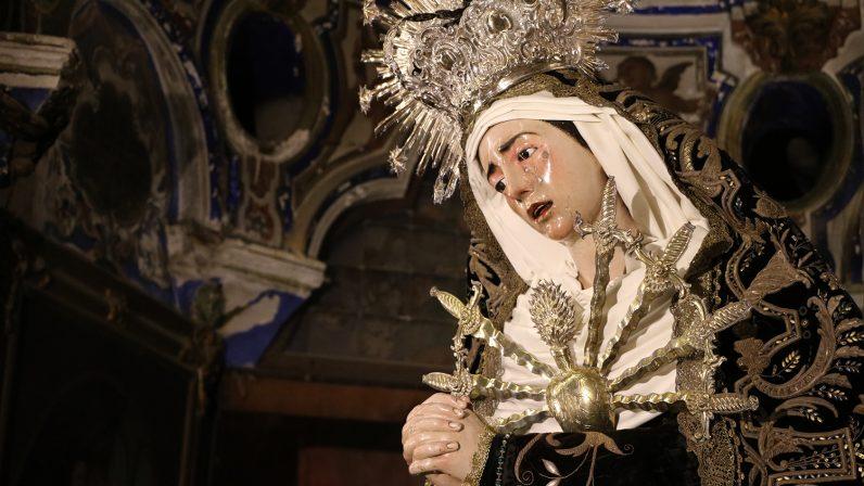 María al pie de la cruz. Iglesia de San Alberto (Sevilla)