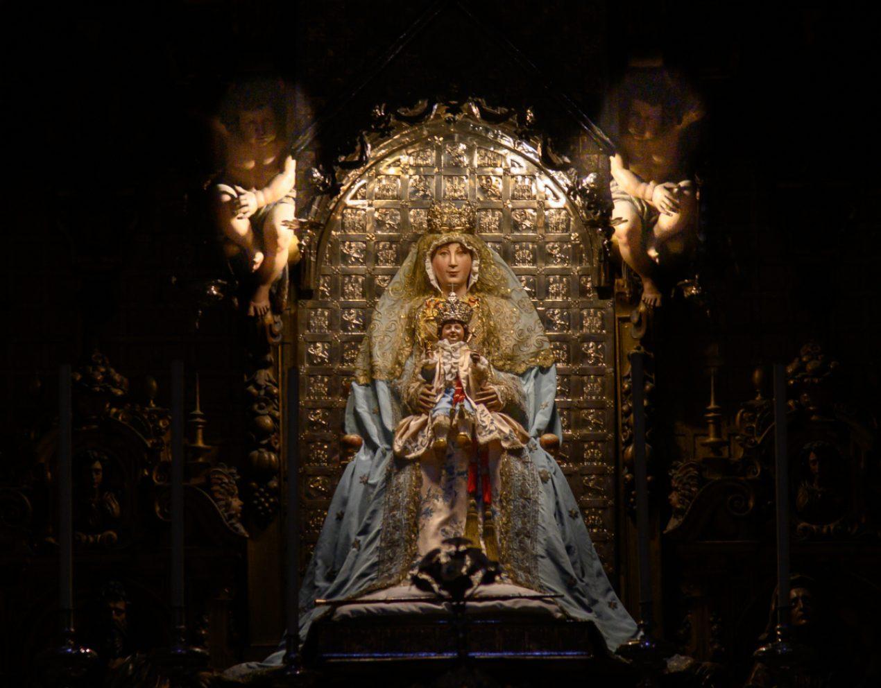Misa Funeral por monseñor Juan del Rio