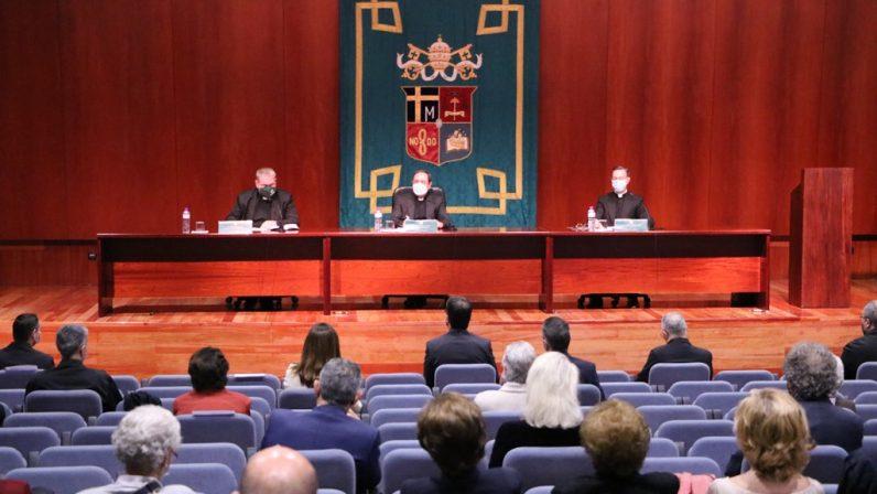 El sacerdote Amador Domínguez presenta su obra sobre la aportación del beato Spínola a la formación sacerdotal