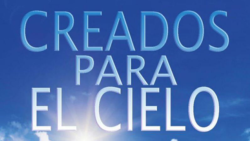 Presentación literaria en la Parroquia Sagrada Familia