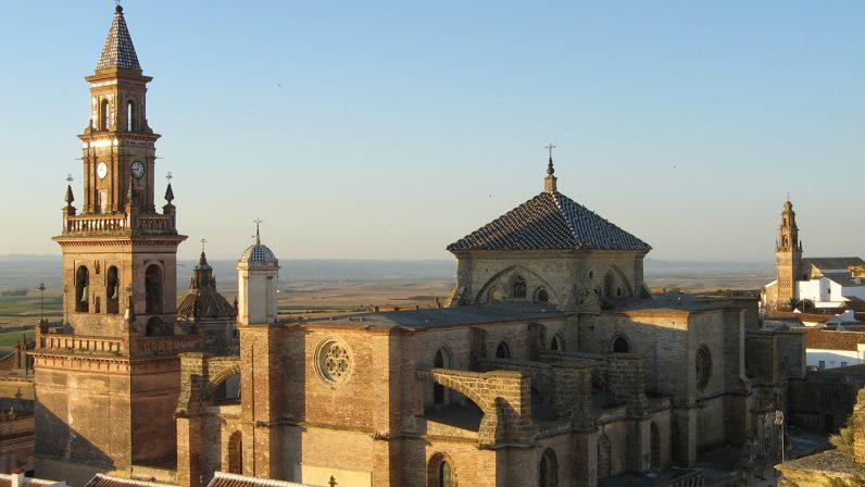 La Pastoral de Patrimonio de Santa María de Carmona celebra el Día de los Monumentos con dos visitas guiadas