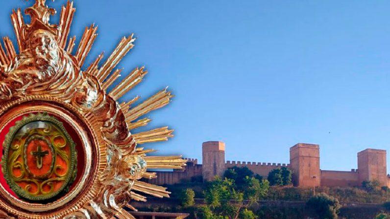 Alcalá de Guadaira queda bendecida por el Santo Lignum Crucis