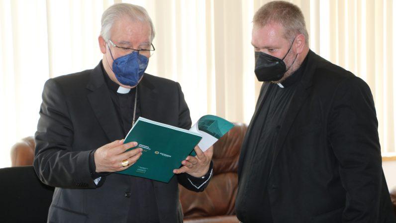 Mons. Saiz visita la Facultad de Teología San Isidoro de Sevilla