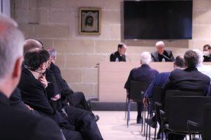 El arzobispo de Sevilla se reúne con los miembros del Cabildo Metropolitano de Sevilla
