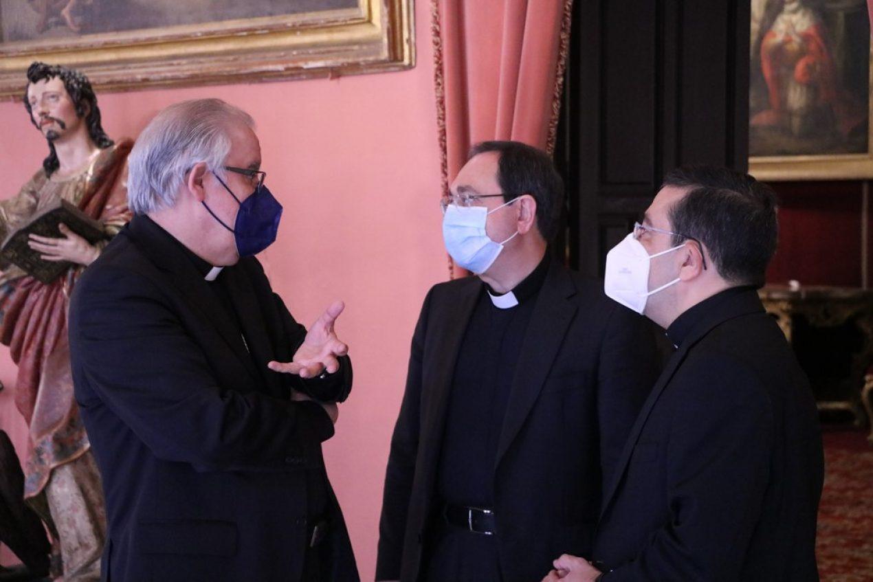 Monseñor Saiz se reúne con la Curia diocesana
