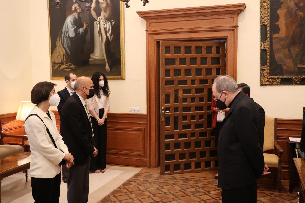 Medalla Pro Ecclesia Hispalense a Andrés Cebrino