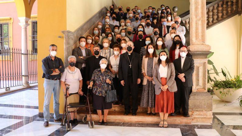Monseñor Asenjo se despide de los trabajadores de la Curia diocesana