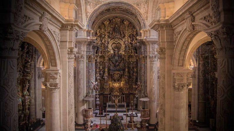 La iglesia colegial del Divino Salvador retoma su visita cultural