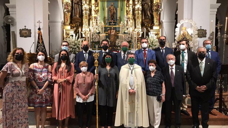 Misa y procesión claustral por las personas mayores en Dos Hermanas