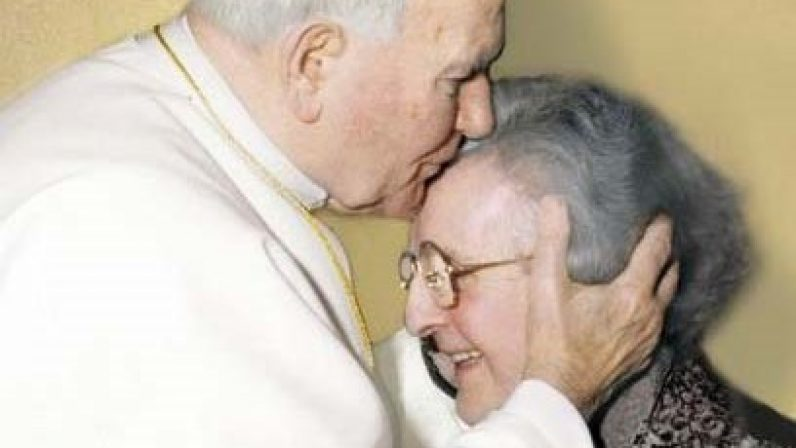Fallece en Roma la sevillana Madre Trinidad, fundadora de la Obra de la Iglesia