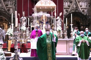 Hasta el sábado 14 de agosto, la Catedral de Sevilla acoge la novena en honor a Nuestra Señora de los Reyes