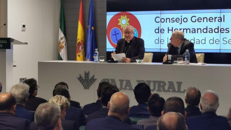 El Sínodo protagoniza la conferencia del arzobispo de Sevilla en la apertura del curso del Consejo de Hermandades