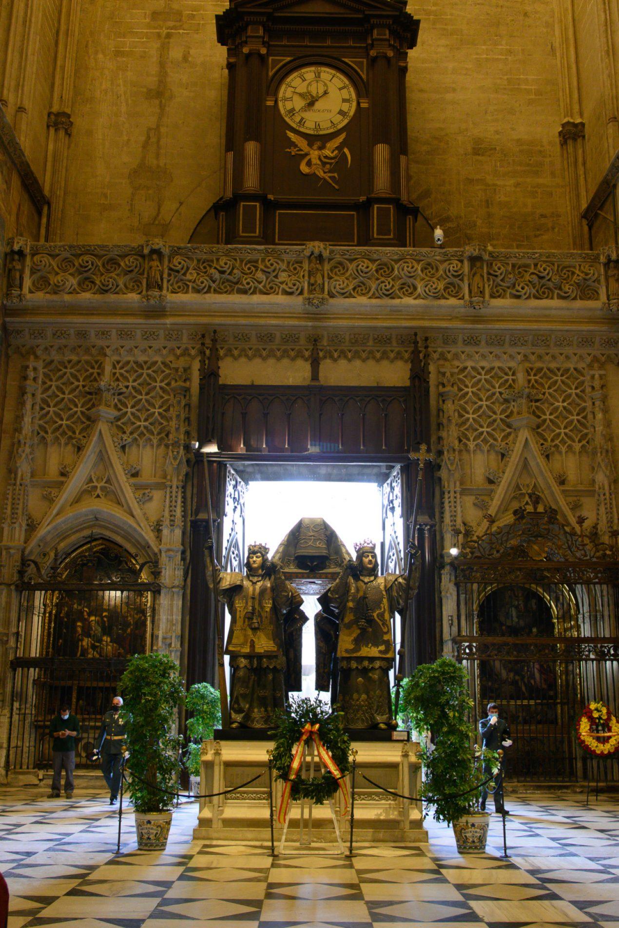Celebración del Día de la Hispanidad en la Catedral de Sevilla