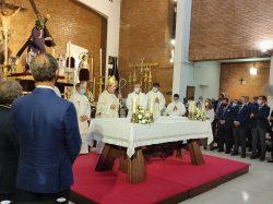 Mons. Asenjo celebra una Eucaristía en la Parroquia de la Blanca Paloma